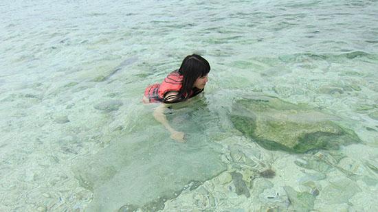 Swimming in Beachcomber Island