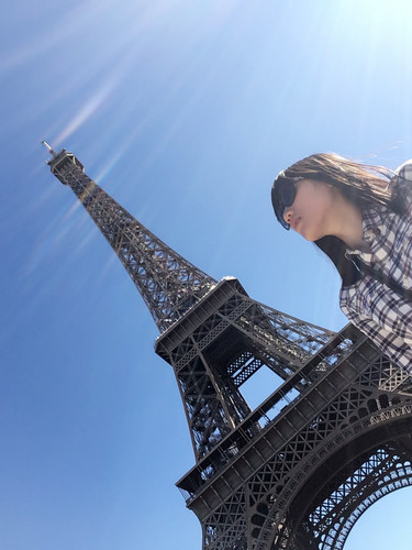 a02_Eiffel Tower and me