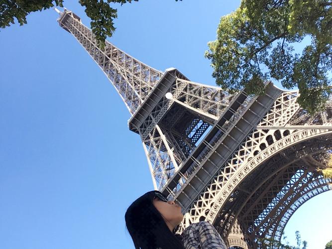 b01_Eiffel Tower