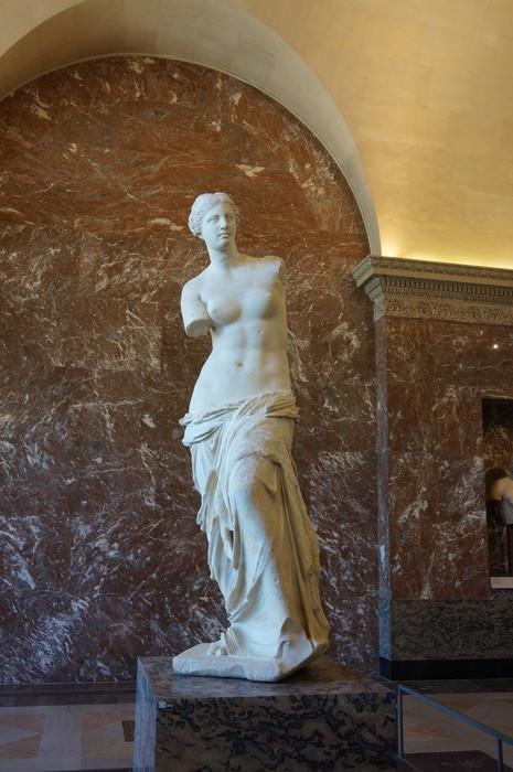 c04_Louvre Museum