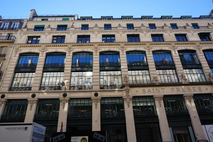 e03_Paris Street Building