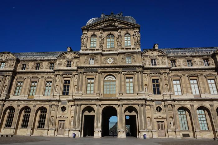 e06_Paris Street Building