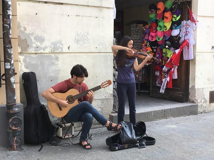 b04-krakow-street-music