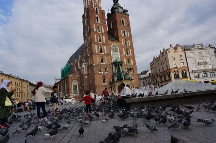 b07-krakow-main-market-square
