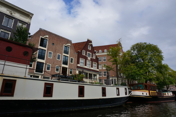 c02-amsterdam-canal-cruise