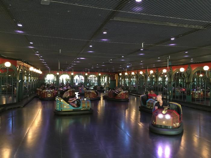 c03-copenhagen-tivoli-amusement-park-ferris-wheel
