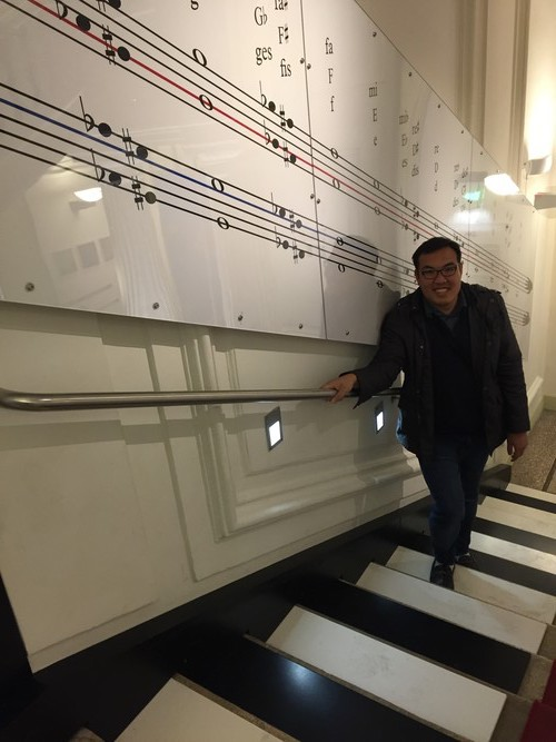 d1-haus-der-musik-stair