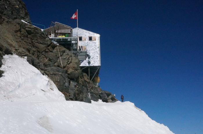d2-jungfraujoch-monchsjoch-hut