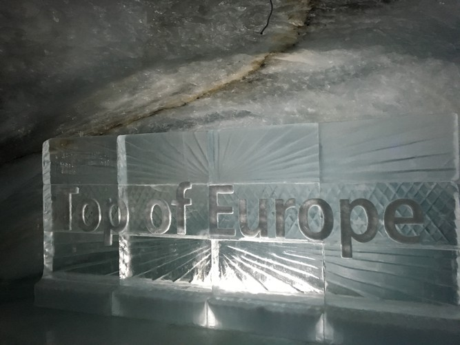 e1-jungfraujoch-ice-palace-top-of-europe