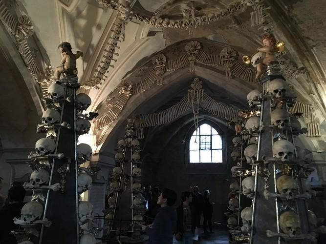 i01-prague-church-of-bones
