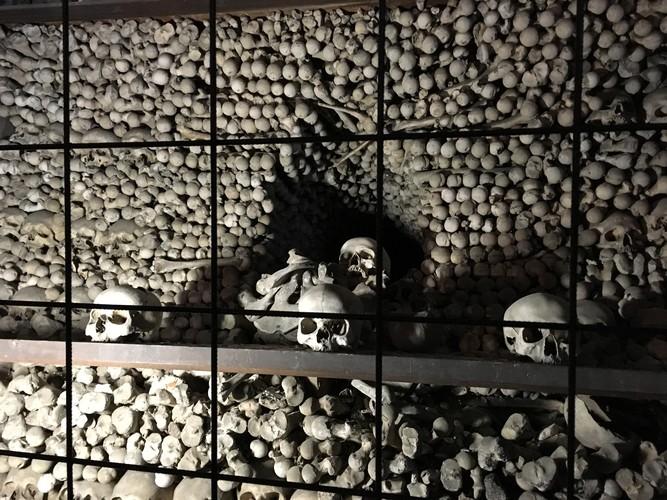 i03-prague-church-of-bones