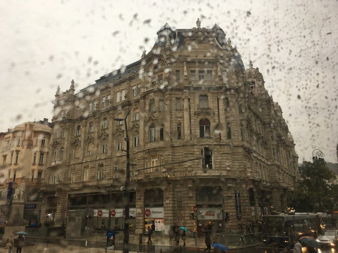 02-budapest-view-from-the-bus