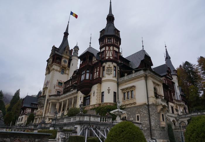 a1-romania-peles-castle