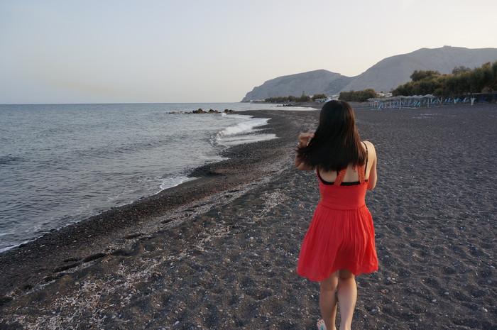 a5-santorini-kamari-beach