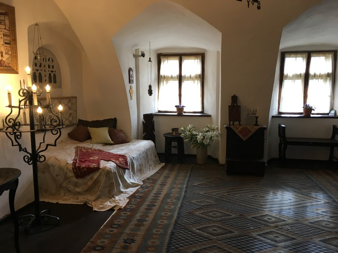 b2-romania-dracula-bran-castle-inside