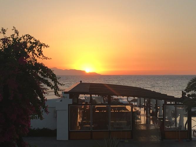 b3-santorini-sunrise