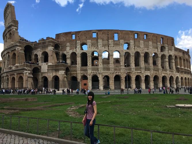 b5-rome-colosseum
