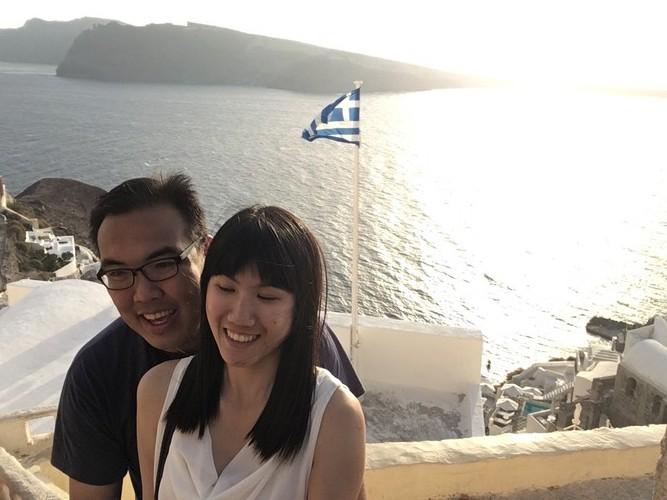 c2-santorini-oia-sunset-selfie