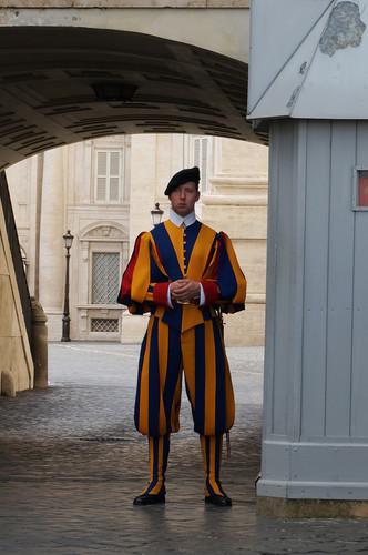 d1-vatican-swiss-guard