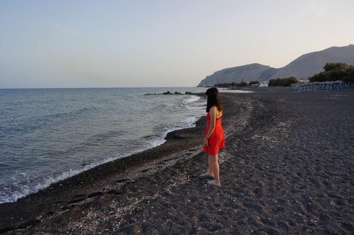 g11-santorini-kamari-beach
