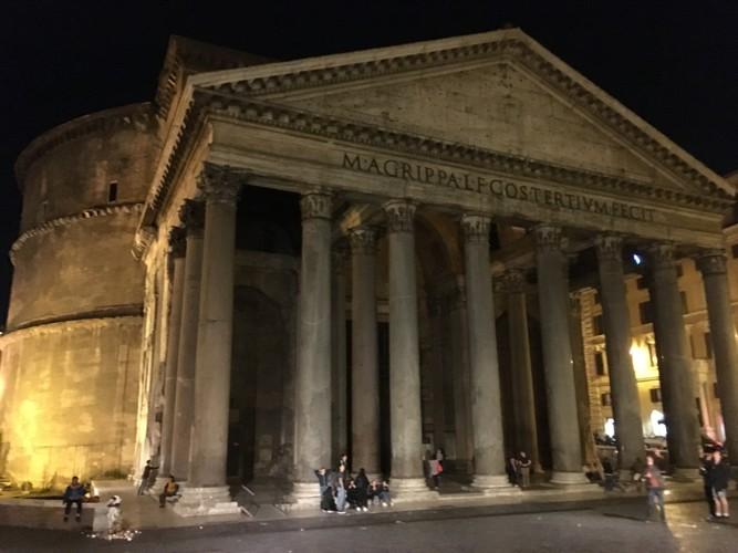 g4-rome-pantheon-at-night