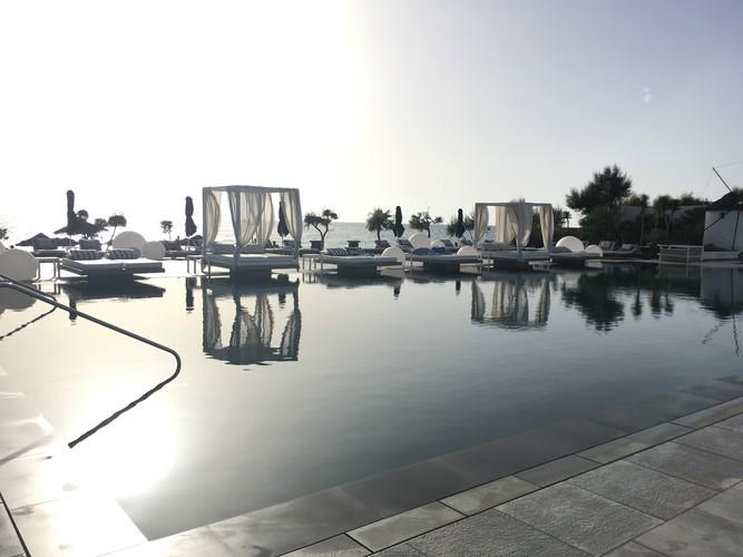 g4-santorini-mediterranean-beach-palace-hotel