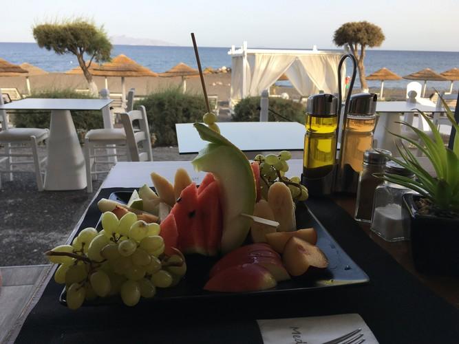 g6-santorini-mediterranean-beach-palace-hotel-restaurant
