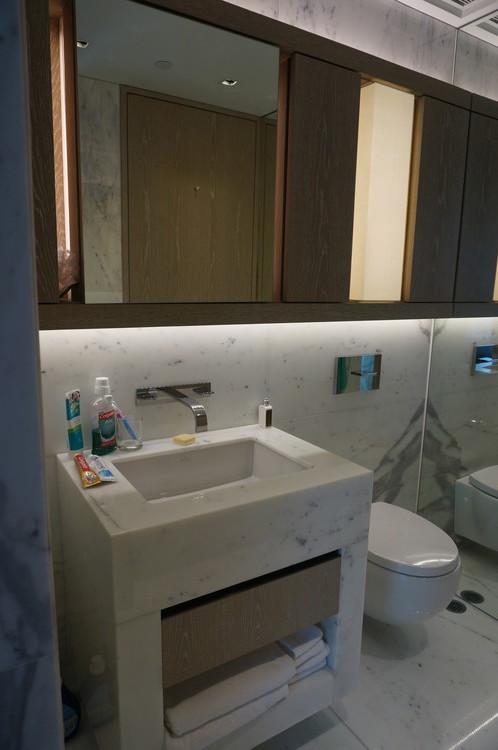 10HK One96 Hotel Toilet